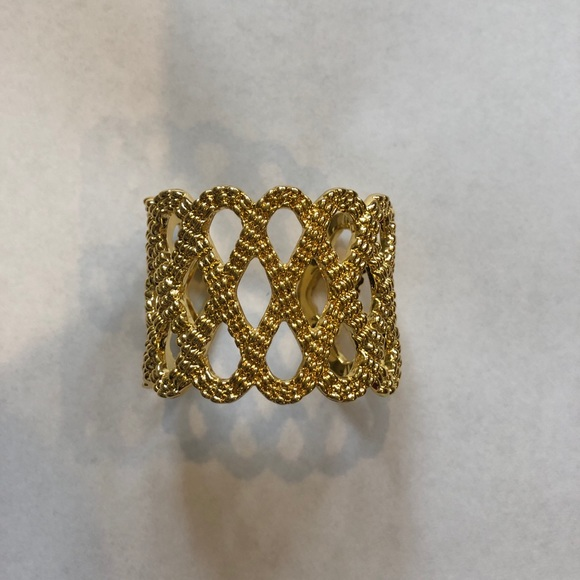 Lilly Pulitzer Jewelry - Lilly Pulitzer Bracelet - Gold Cuff